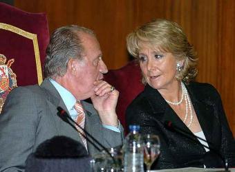 20071022173814-don-juan-carlos-presidenta-comunidad-madrid-esperanza-aguirre.jpg